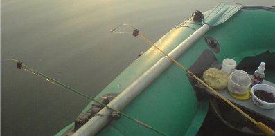 ловля удочкой с лодки пвх