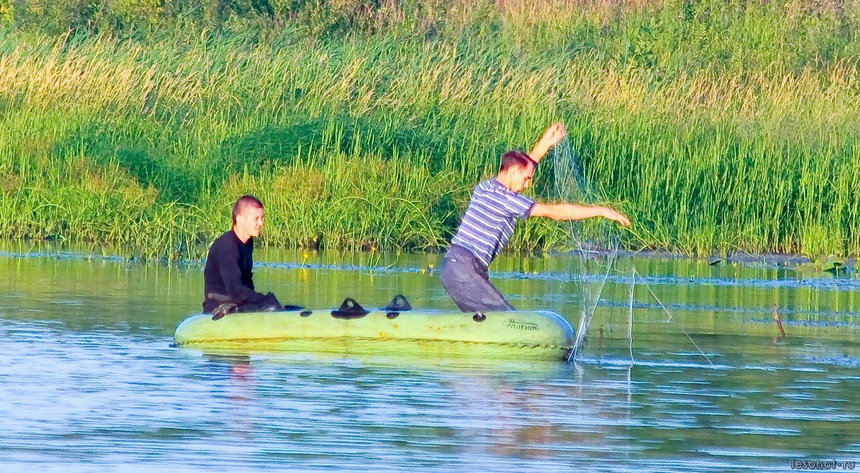 ловля на сеть на реке